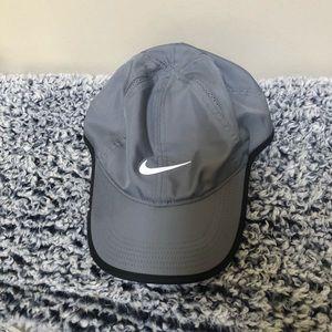 Nike Dri Fit Featherlight Grey NWOT Baseball Cap